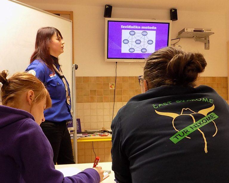 Read more about the article Programska naobrazba programskih voditelja