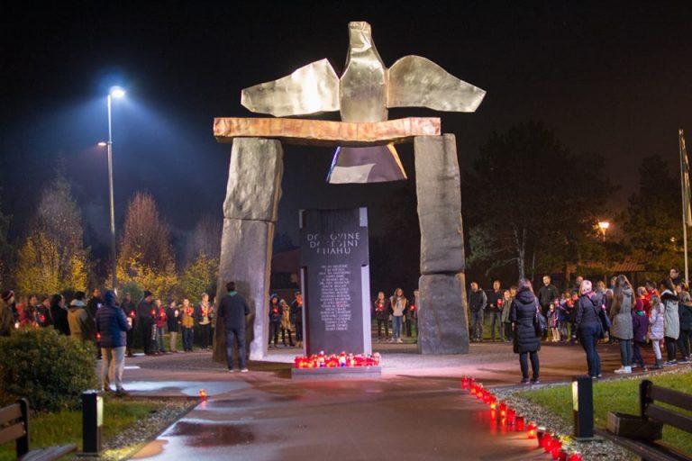 Read more about the article Prisjećanje na žrtve Vukovara i Škabrnje