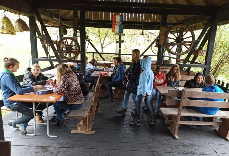 Read more about the article Škola za život u prirodnom okruženju